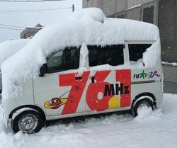 降り続く雪・・・