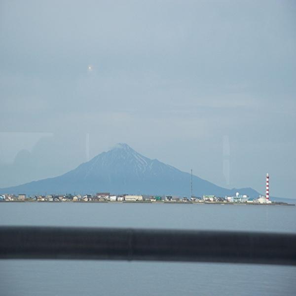 aaaa船から山.jpg